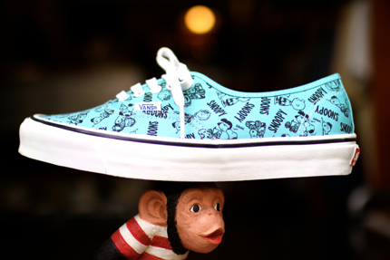 VANS VAULT OG Authentic LX Snoopy.jpg